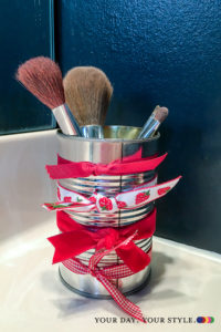 15 ways to organize with tin cans - Makeup Brush storage